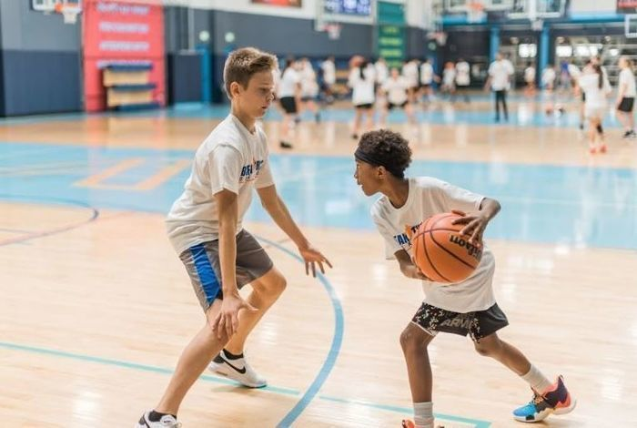 Basketball camps for kids in SoCal: Los Angeles and Irvine, CA with Breakthrough Basketball