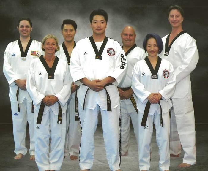 white tiger taekwondo - 700×576
